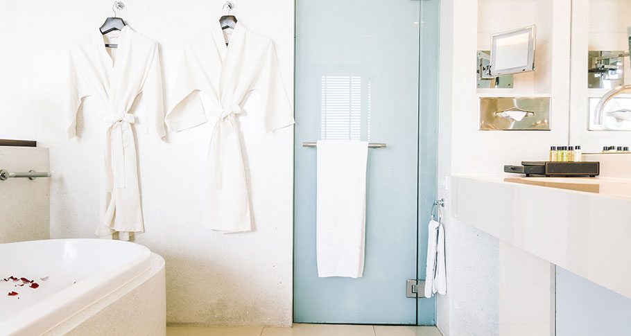Badrumsrenovering – vad får man göra själv?